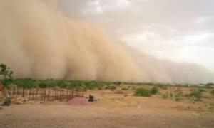 Η μανία της φύσης: Δεκάδες νεκροί στην Ινδία από αμμοθύελλες (vid)