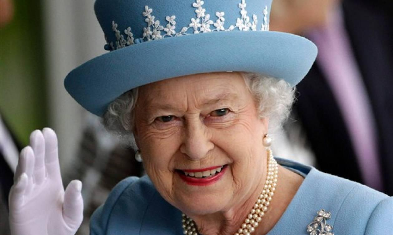 Αυτό είναι το πανάκριβο δώρο της βασίλισσας Ελισάβετ στον πρίγκιπα Χάρι και στη Μέγκαν