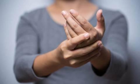 Ρευματοειδής αρθρίτιδα: Ο παράγοντας που επιδεινώνει τα συμπτώματα