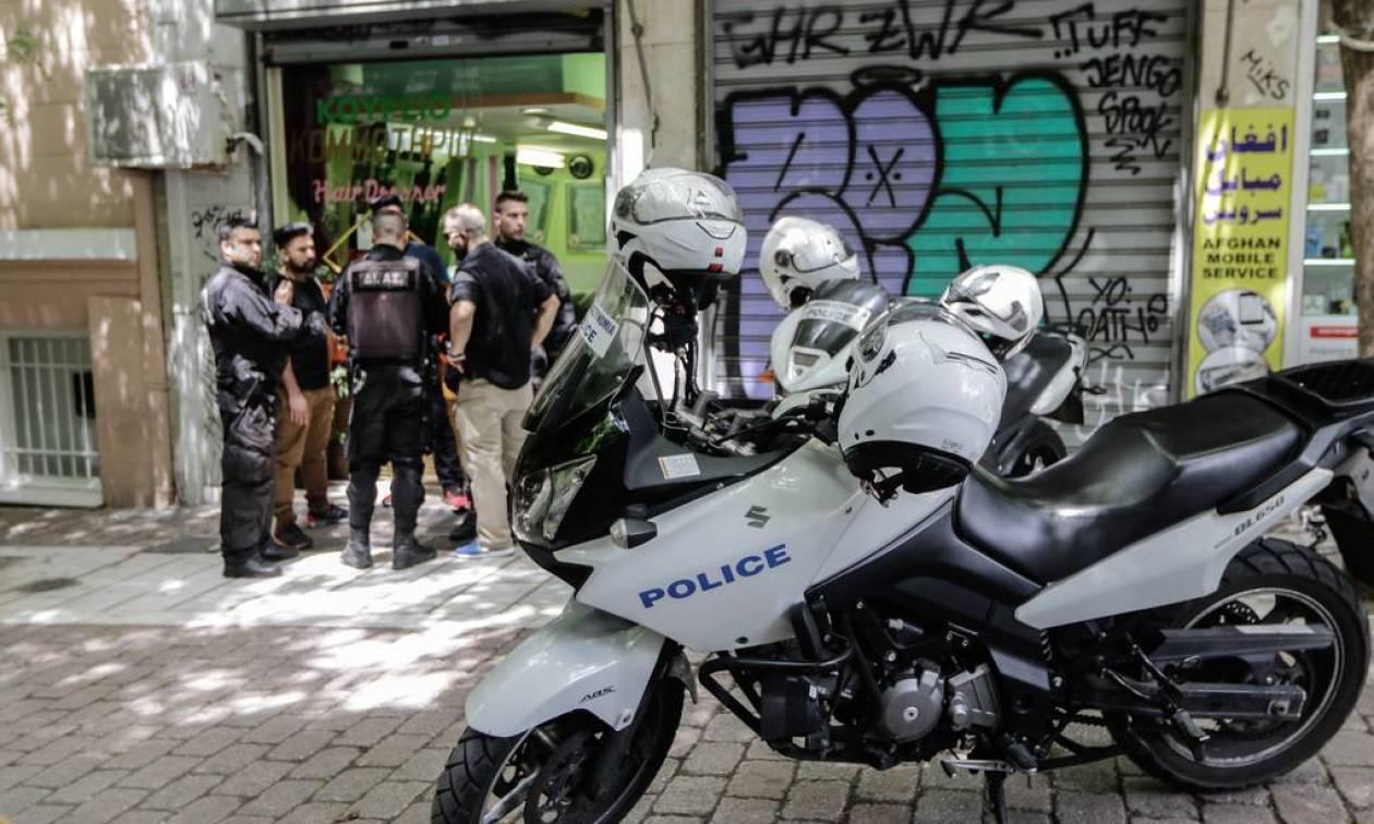 Τι αποκάλυψε στους αστυνομικούς ο Αλβανός που πυροβόλησαν μέσα στο κομμωτήριο της οδού Χέυδεν