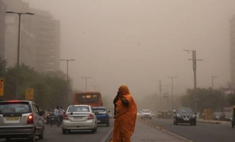 Ινδία: Τους 150 έφτασαν οι νεκροί από τις αμμοθύελλες και τις καταιγίδες