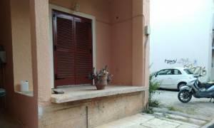 Σοκ στην Καλαμάτα: Δάσκαλος αυτοκτόνησε στο κέντρο της πόλης (video)