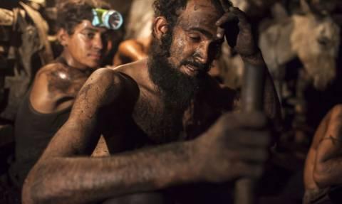 Τραγωδία στο Πακιστάν: 23 ανθρακωρύχοι βρέθηκαν νεκροί από ασφυξία (Pics)