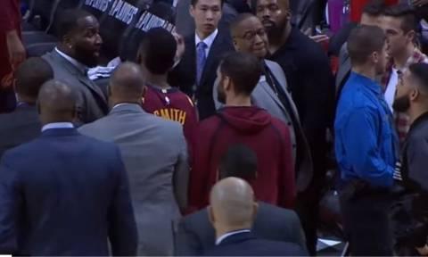 Βίντεο: Ο καβγάς του οξύθυμου ράπερ Ντρέικ με τον Κέντρικ Πέρκινς σε αγώνα του NBA