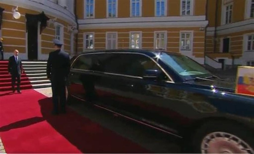 Ορκίστηκε πρόεδρος ο Πούτιν: Αυτό είναι το εντυπωσιακό αυτοκίνητο που πήγε στην Τελετή