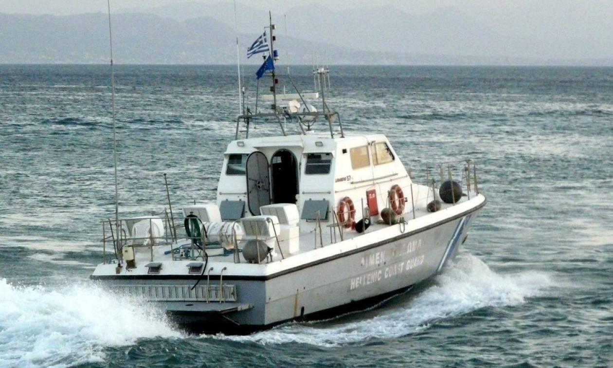 Κρήτη: Εντοπίστηκε το σκάφος με τους μετανάστες - Ρυμουλκείται στους Καλούς Λιμένες