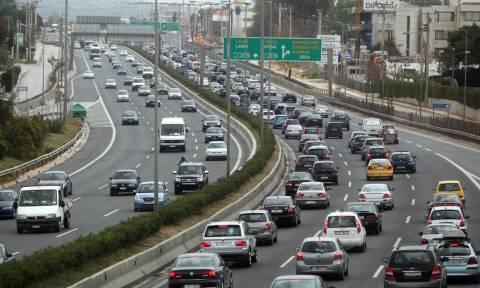 Αλλάζουν όλα στα τέλη κυκλοφορίας: Θα πληρώνουμε ανάλογα με την αξία του οχήματος