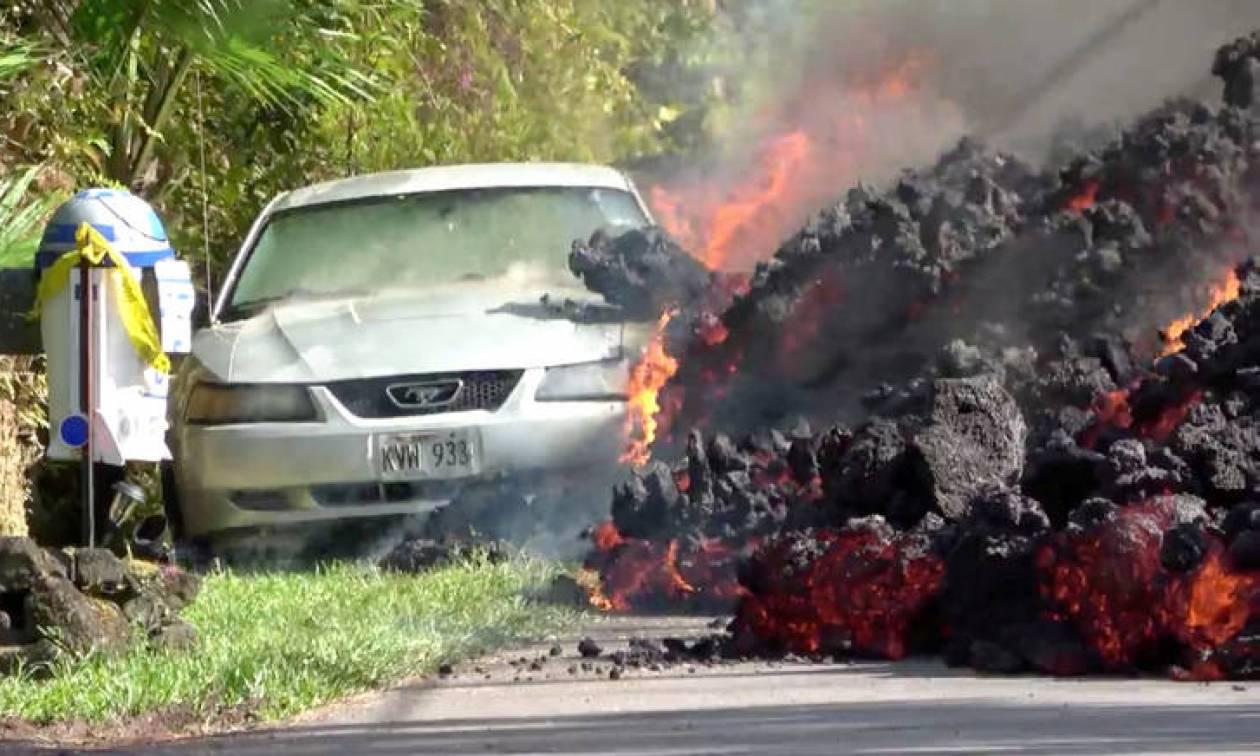 Απίστευτο βίντεο: Η λάβα του Κιλαουέα «καταπίνει» αυτοκίνητο! (vid)