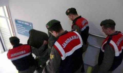 Οικονομική στήριξη στους δύο Έλληνες στρατιωτικούς που κρατούνται στην Αδριανούπολη