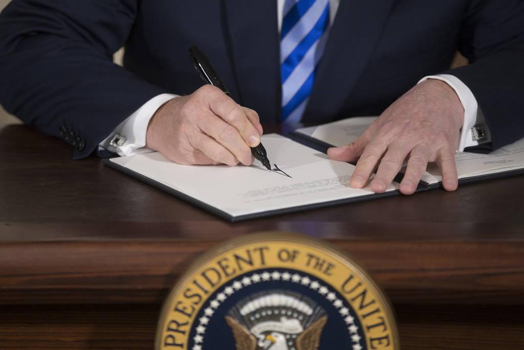 Τη λύπη τους για την απόφαση Τραμπ σχετικά με το Ιράν εξέφρασαν Γαλλία, Γερμανία και Βρετανία