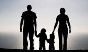 Κομισιόν: Ενα στα τρία παιδιά στην ΕΕ έχει καλή φροντίδα