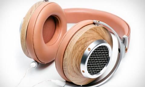 Φαίνονται σαν απλά ακουστικά αλλά όταν δείτε πόσο κάνουν θα καταλάβετε...