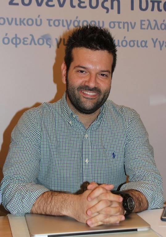 Γεώργιος Σιάκας, διευθυντής Ερευνών της Μονάδας Ερευνών Κοινής Γνώμης και Αγοράς στο Ερευνητικό Πανεπιστημιακό Ινστιτούτο του Πανεπιστημίου Μακεδονίας