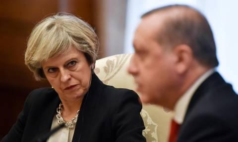 Εκτάκτως στη Βρετανία μεταβαίνει ο Ερντογάν (Pics)