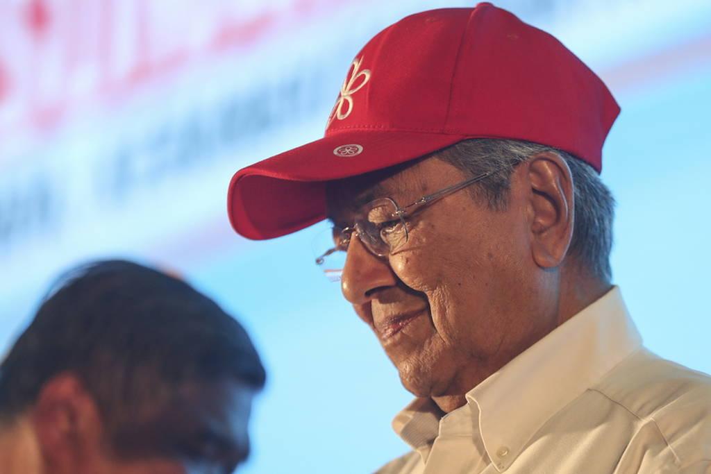 Η μεγάλη έκπληξη στη Μαλαισία: Πρωθυπουργός ετών 92! (pics)