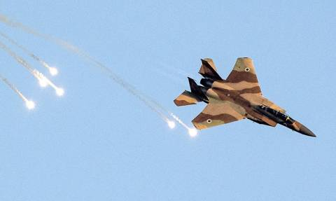 Ο πόλεμος ξεκίνησε! 28 ισραηλινά μαχητικά βομβάρδισαν ιρανικούς στόχους στη Συρία (Pics+Vids)