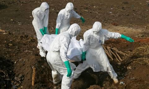 Τρόμος από την «επιστροφή» του Έμπολα: 17 νεκροί στο Κονγκό