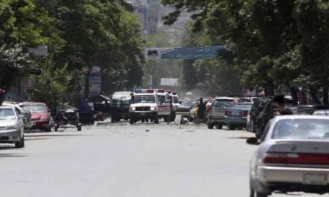 Αφγανιστάν: 10 νεκροί και 23 τραυματίες από επιθέσεις σε αστυνομικά τμήματα στην Καμπούλ