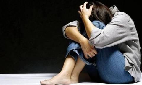 Χωρίς τέλος η φρίκη στην Ινδία: Βίασε και έκαψε ζωντανή την ανήλικη ξαδέρφη του
