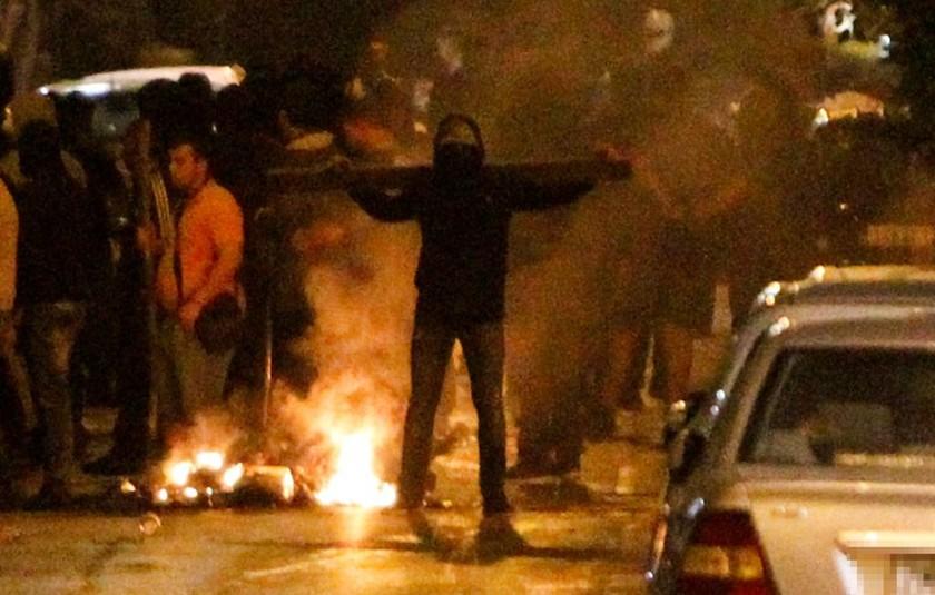Οπαδοί μετέτρεψαν το κέντρο της Αθήνας σε πεδίο μάχης