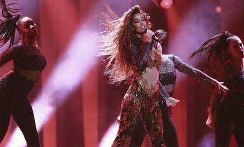 Eurovision 2018: Η επιστροφή της Φουρέιρα στο ξενοδοχείο, οι fans και η ατάκα για την Κύπρο