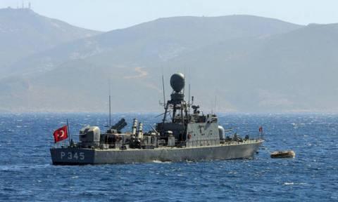 Ύποπτα παιχνίδια: Ο τουρκικός «θαλάσσιος λέων» κυκλώνει το μισό Αιγαίο