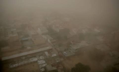 Αμμοθύελλες και καταιγίδες σκόρπισαν το θάνατο στην Ινδία – Τουλάχιστον 41 νεκροί
