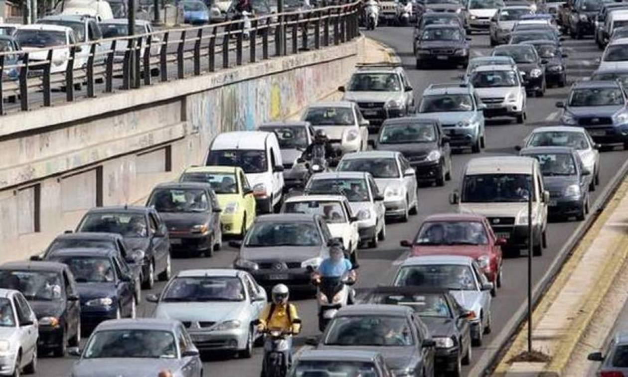 ΤΩΡΑ - Χάος στους δρόμους της Αθήνας: Ποιες περιοχές να αποφύγετε (vid)