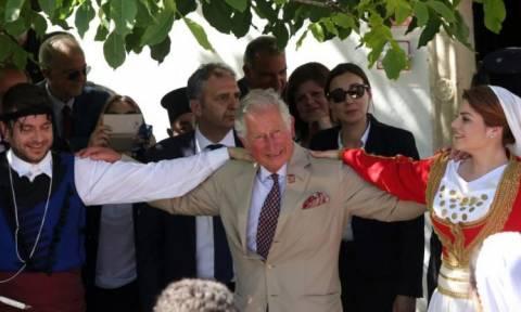 Ο πρίγκιπας Κάρολος και η καλλονή που τον εντυπωσίασε στην Κρήτη