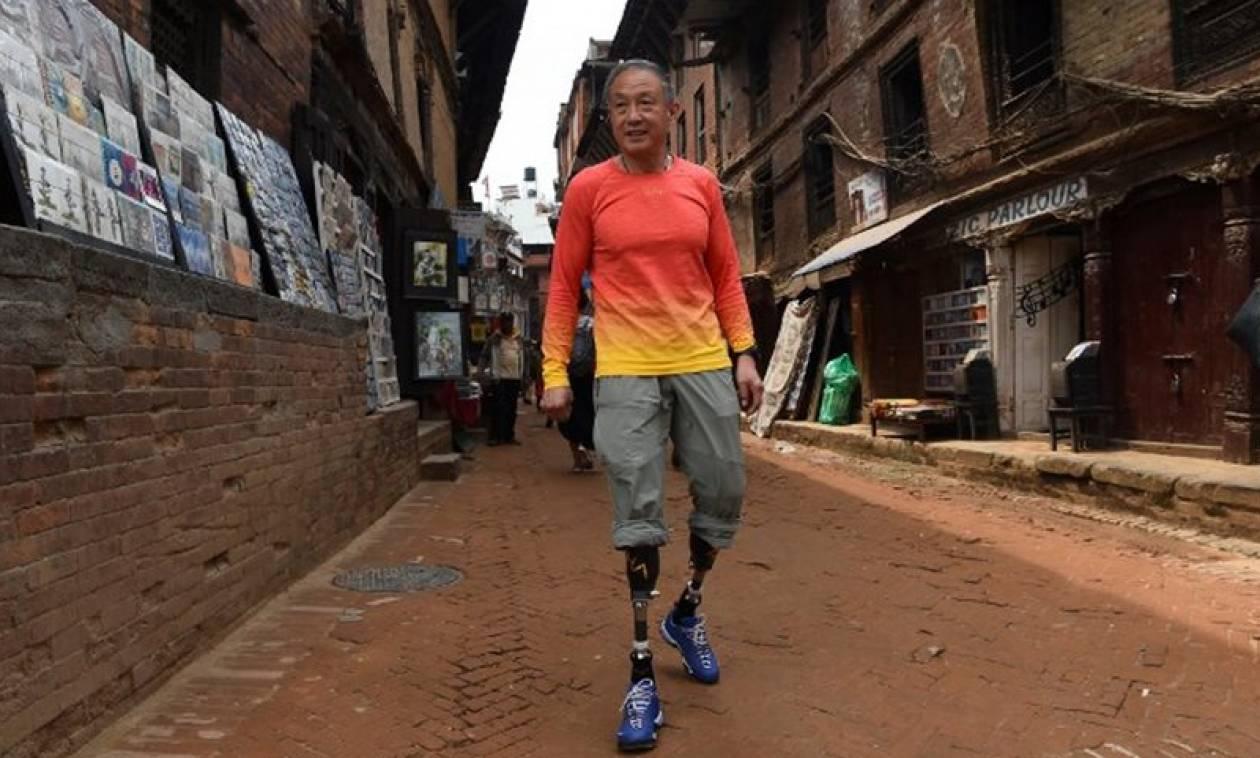 Απίστευτο: 70χρονος ορειβάτης κατέκτησε το Εβερεστ με ακρωτηριασμένα πόδια