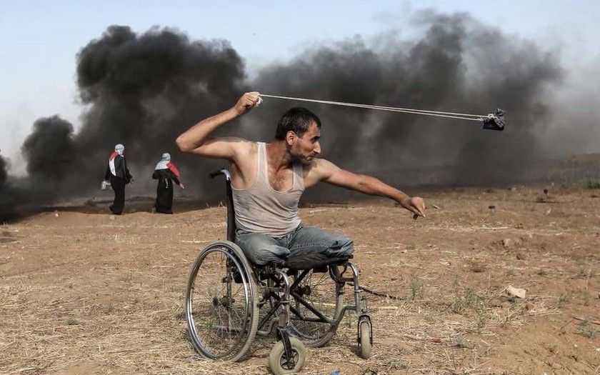 Σφαγή στη Γάζα: Σοκ από τη δολοφονία ανάπηρου Παλαιστίνιου από Ισραηλινούς στρατιώτες (Pics)