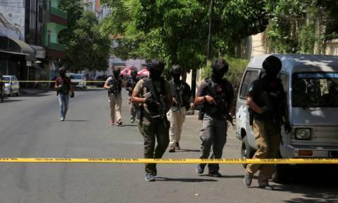 Το Ισλαμικό Κράτος ανέλαβε την ευθύνη για την επίθεση αυτοκτονίας της οικογένειας στην Ινδονησία