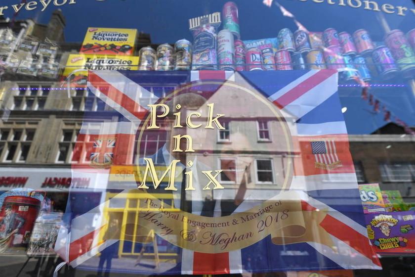 Μεγάλη Βρετανία: Στον... πυρετό του βασιλικού γάμου (pics)