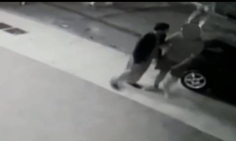 Βίντεο ντοκουμέντο: Άγρια επίθεση κατά 36χρονου αλλοδαπού στο Περιστέρι