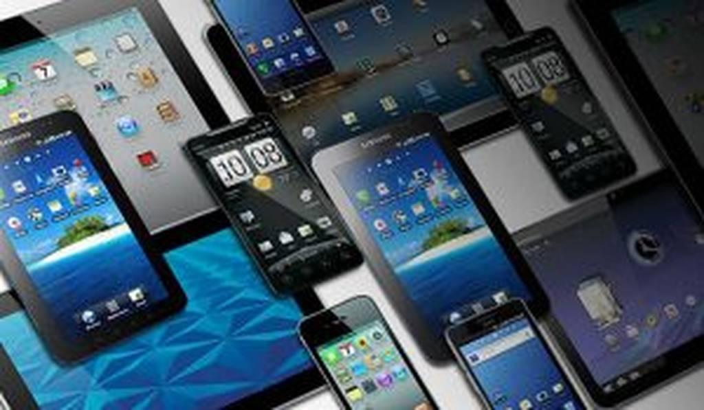 Επανεξετάζει η κυβέρνηση το φόρο για τα κινητά- Επικοινωνία Παππά-Βερναρδάκη