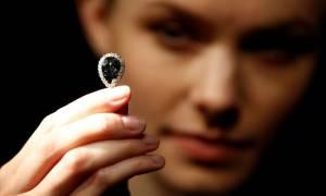 Μπλε Φαρνέζε: 6,7 εκατ. για το διαμάντι... φετίχ της ευρωπαϊκής μοναρχίας