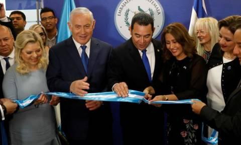 Στο δρόμο που χάραξαν οι ΗΠΑ: Πρεσβεία στην Ιερουσαλήμ και η Γουατεμάλα (pics)