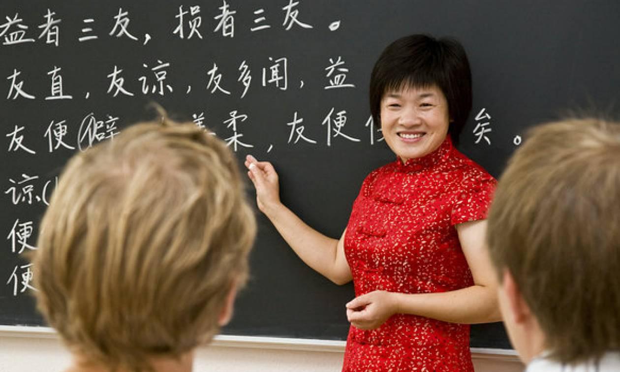 Μία Ρωσίδα «βάζει πλώρη» για τον τελικό διαγωνισμό της… κινεζικής γλώσσας στην Κίνα! (pic)