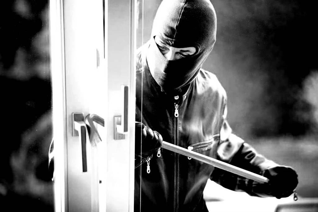 Ηράκλειο: Συνελήφθη δαιμόνιος διαρρήκτης ετών… 19 -  Η λεία του ξεπερνά τις 120.000 ευρώ!