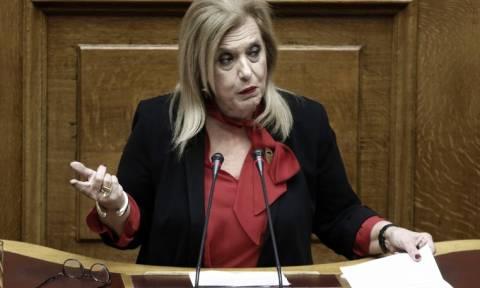 Πιάστηκαν στα χέρια στη Βουλή: Καρεκλιές, βρισιές και... τσαντιές - Σε αμόκ βουλευτής του ΣΥΡΙΖΑ