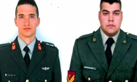 «Αλύγιστοι» οι δύο Έλληνες στρατιωτικοί: «Το ηθικό μας είναι ακμαίο» λένε και συγκινούν