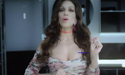 Αγνώριστη από το... botox η Κατερίνα Στικούδη! (video)