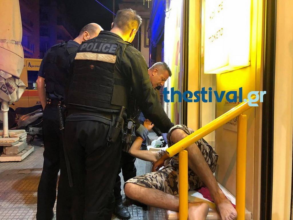 Αιματηρή συμπλοκή στη Θεσσαλονίκη - 23χρονος μαχαιρώθηκε σε στήθος και λαιμό