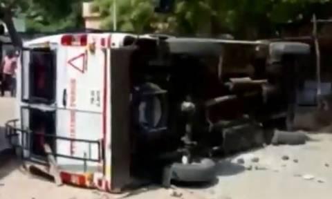Ινδία: Νεκροί από αστυνομικά πυρά 9 διαδηλωτές (vid)