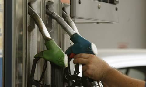 Ακριβή μου βενζίνη: Σε ποιες περιοχές η αμόλυβδη ξεπέρασε τα 2 ευρώ (ΧΑΡΤΗΣ)
