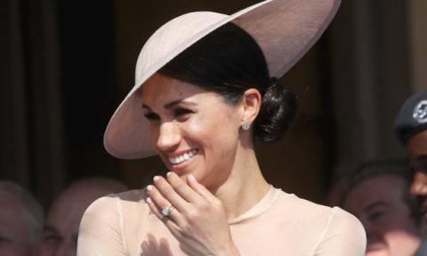 Δεν χορταίνουμε την πρώτη επίσημη δημόσια εμφάνιση της Meghan Markle με τον πρίγκιπα Harry