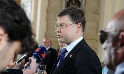 Ντομπρόβσκις: Όλα δείχνουν ότι το Μνημόνιο τελειώνει στις 20 Αυγούστου