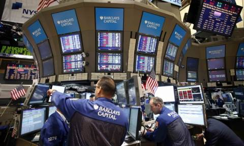 Άνοδος στη Wall Street με βοήθεια από τη Fed