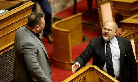 Βουλή: 15ήμερος αποκλεισμός στον Γιάννη Λαγό για την αήθη επίθεση στον Ξυδάκη