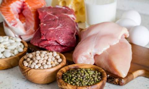 Υπερβολική πρωτεΐνη στο σώμα: Οι σοβαροί κίνδυνοι & τα 7 συμπτώματα (εικόνες)